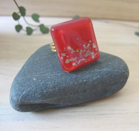 paititi-bague-grand-carre-rouge-profond
