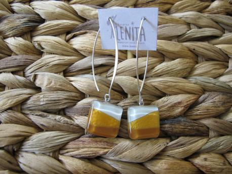 louga-boucles-d-oreilles-carree-fermoir-long-camel-jaune-curry-blanc