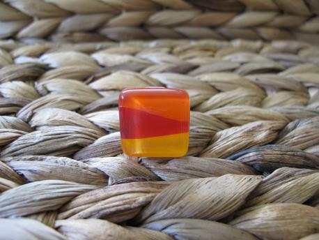 louga-bague-petit-carre-orange-peps-rouge-profond-jaune-orange